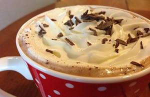 Chocolat chaud au sirop de noisette