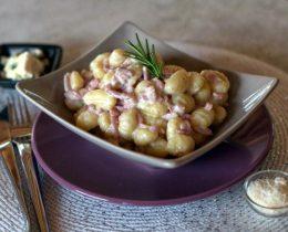 Gnocchis aux lardons et roquefort avec cookeo