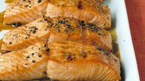 Pavé de saumon sauce ail au thermomix