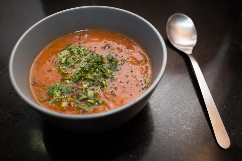 Soupe à la tomate et aux vermicelles avec thermomix