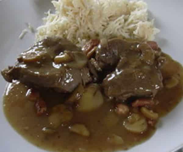 Joues de porc aux champignons avec thermomix recette - Cuisiner de la joue de porc ...