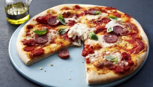 p 226 te a pizza express et rapide au thermomix recette thermomix