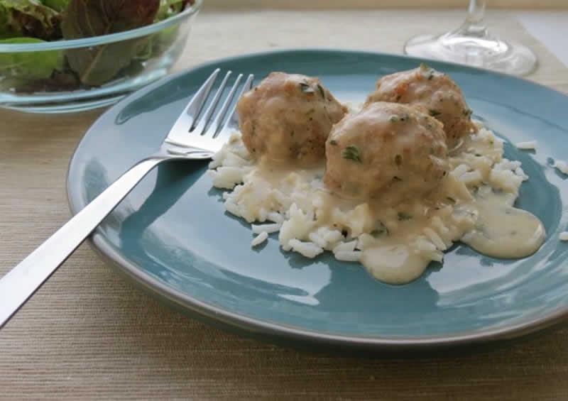 Boulettes de viande avec sauce blanche et riz au thermomix