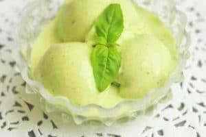 Crème glacée citron vert et basilic au thermomix
