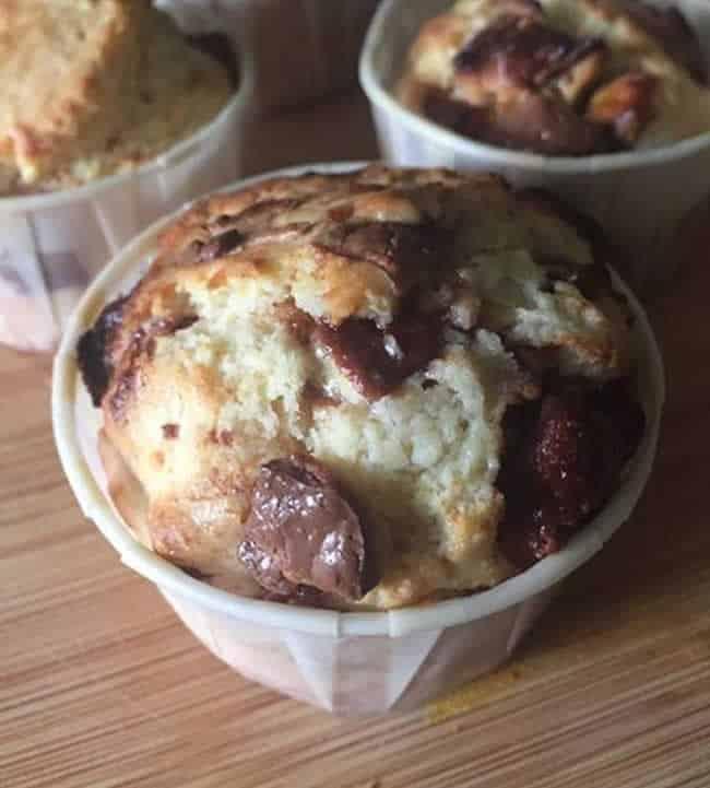Muffin au kinder maxi recette de muffins facile et simple - Recettes rapides 10 a 15 minutes maxi ...