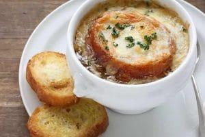 Soupe à l'oignon gratinée avec thermomix