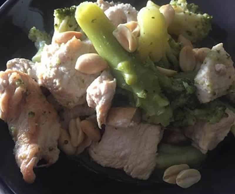 Poulet au brocoli et aux cacahuètes au Cookeo