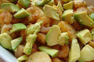Salade pommes de terre crevettes avocats au thermomix