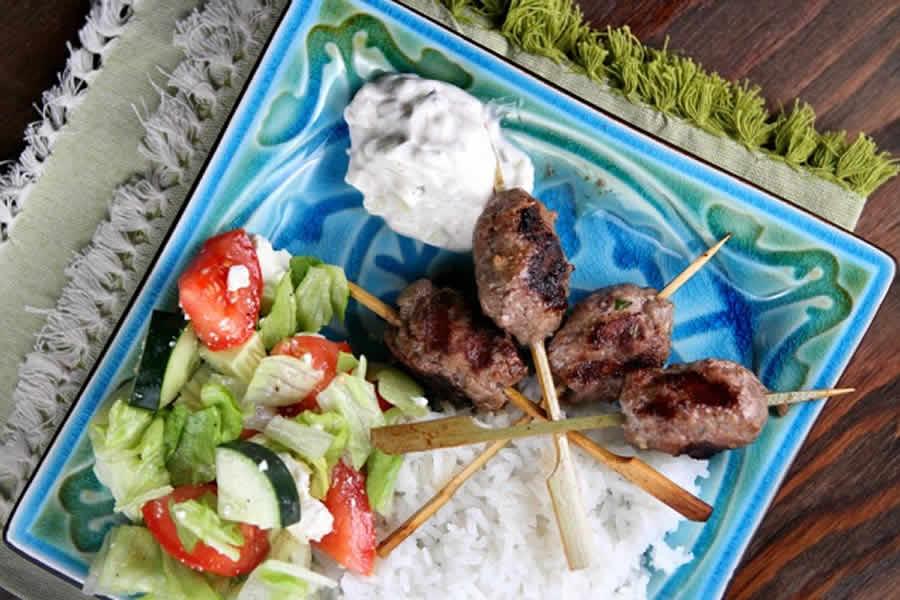 Brochettes de kefta et sauce au yaourt au thermomix