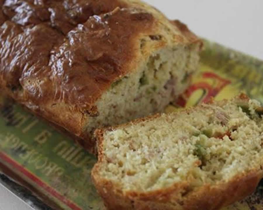Cake thon poivrons et piment d'espelette au thermomix